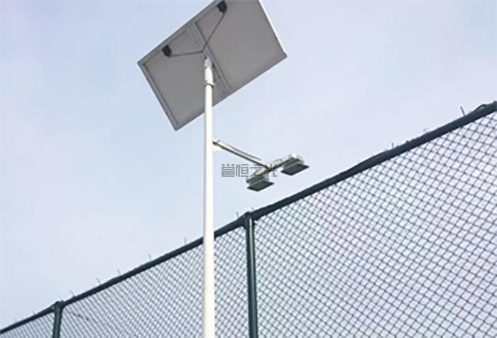 太阳能球场灯1