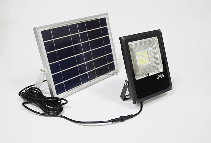 太阳能投光灯1