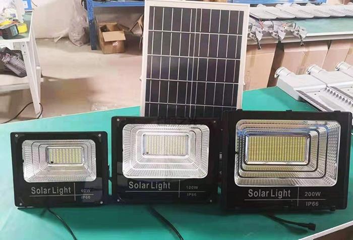 太阳能投光灯2