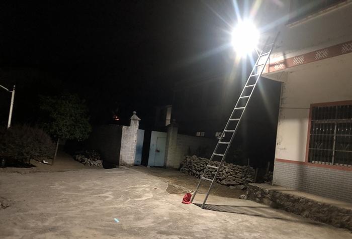 太阳能墙壁灯5