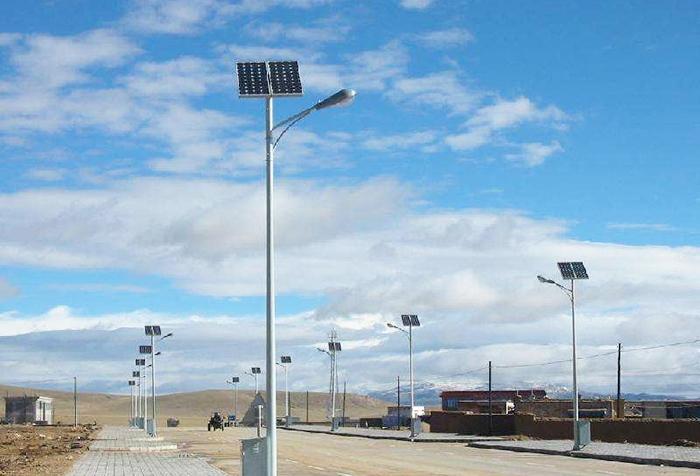 3-12米太阳能灯杆1